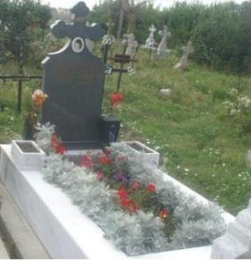 Bordura + monument funerar