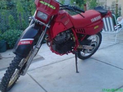 Motocicleta in 4 timpi Yamaha Enduro 350 cmc