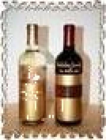 Sticla vin personalizata gold de la S.c. Vetarsina S.r.l.