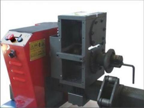 Masini prelucrare fier forjat, fier amprentat la cald de la Infomark Srl.