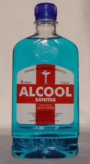 Alcool sanitar pe negi