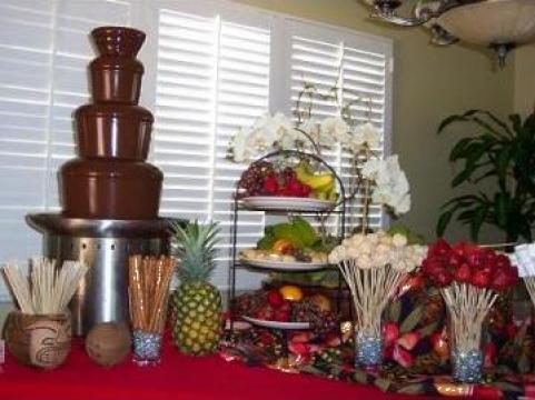 Fantana de ciocolata, inchiriere cascada ciocolata Bucuresti de la Agentia Select Events