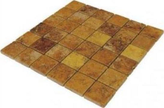 Mozaic Travertin Yellow Tumbled 1x4.8x4.8 cm de la Geo & Vlad Com Srl