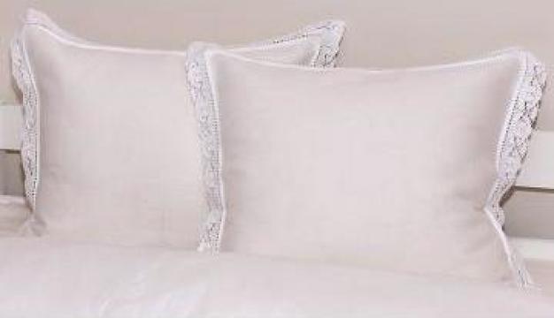 Lenjerie de pat pentru hoteluri cu dantela de la Johnny Srl.