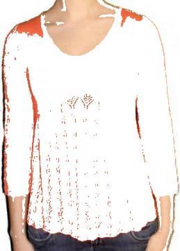 Bluza roz somon, tricotata, cu maneca trei sferturi de la Standonline.ro