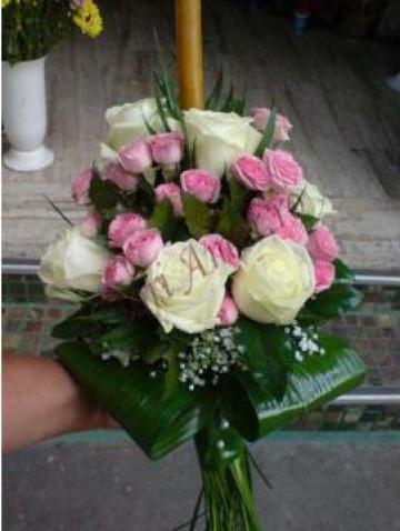 Lumanare trandafiri albi, roz si gypsophila de la Passiflora - Floriamor