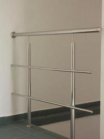 Balustrada inox simpla cu 2 intermediare de la New Metal Design SRL