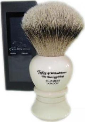 Pamatuf pentru barbierit de la Luxury Grooming Company