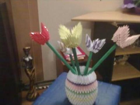 Vaza cu flori de la P.f.a. Alina Dascalu