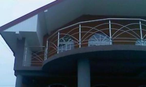 Balustrada balcon exterioar cu cercuri de la Sc Ambient Inox Srl