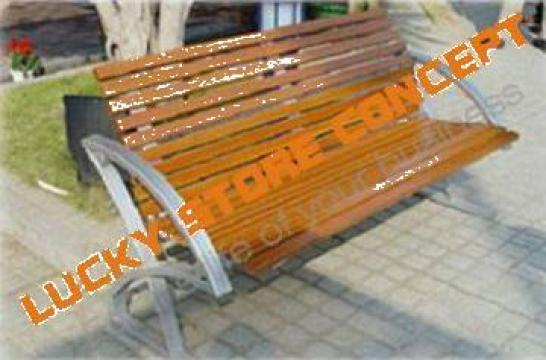 Banci din lemn pentru parcuri de la Lucky Store Solution SRL