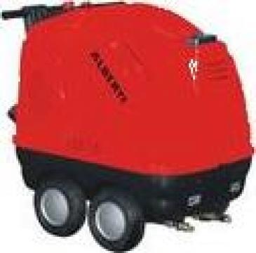 Aparat industrial de spalat auto cu apa calda de la Tehnic Clean System