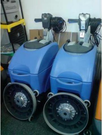 Echipament de curatat, aspirat cu sasiu inox TT 4045 de la Tehnic Clean System