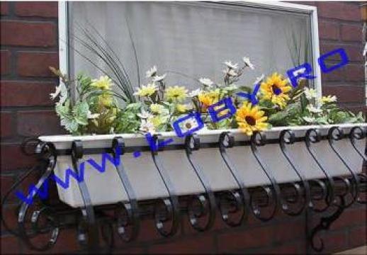 Suport jardiniere flori din fier forjat Clasic de la Loby Design