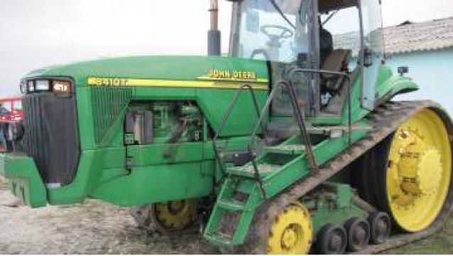 Tractor John Deere de la Agroyield Danube Farm Alfa