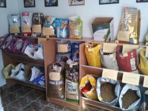 Hrana uscata pentru caini si pisici de la I.i. Valentin Mihai
