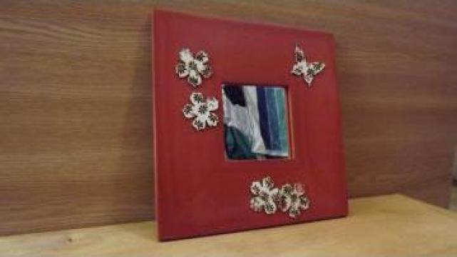 Oglinda din lemn de la Cris Adviser Srl