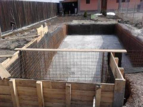 Piscina din beton cu liner