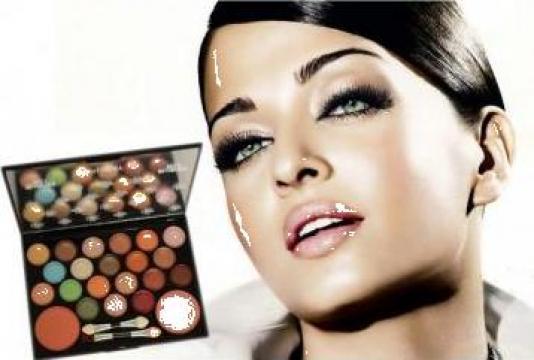 Trusa Profesionala Machiaj Beauty She 22 Tg Jiu Diana Id 11347909