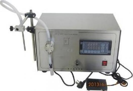Masina de umplere sticle cu ulei lichid cu pompa magnetica