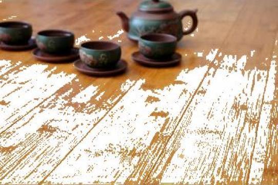 Parchet bambus culoare cafeniu satinat, nut si feder