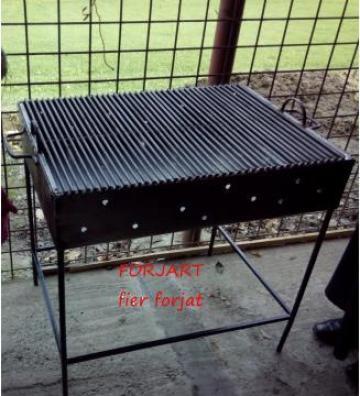 Gratar / grill metalic de la Forjart Srl