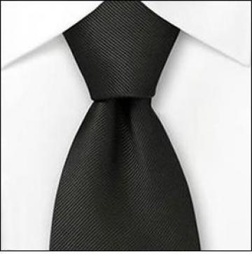 Cravata neagra pentru ospatar
