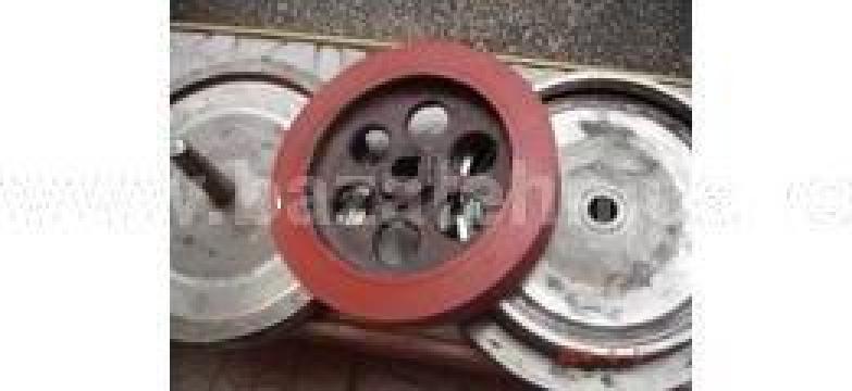 Cauciuc siliconic pe roata metalica de la Baza Tehnica Alfa Srl