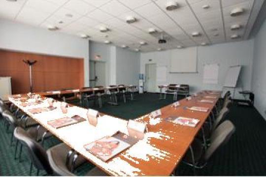 Organizare conferinte, cursuri