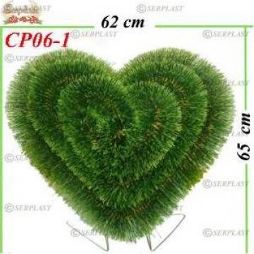 Coroane funerare pin artificial inima plin pe suport de la Serplast Srl