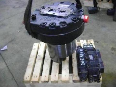 Motor hidraulic Caterpillar 330D de la Instalatii Si Echipamente Srl