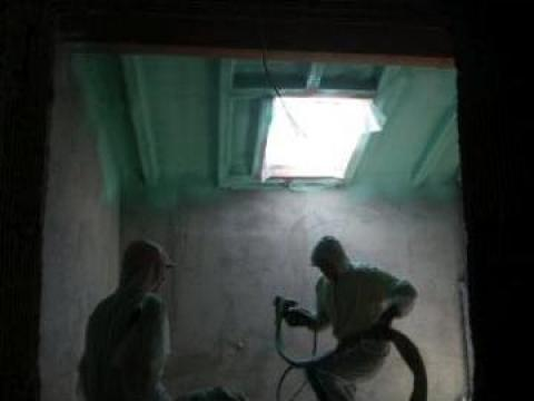 Izolatii case cu spuma poliuretanica de la Enigma Srl