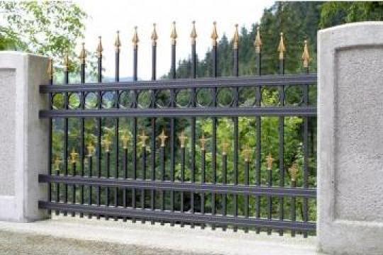 Garduri metalice cu insertii de fier forjat