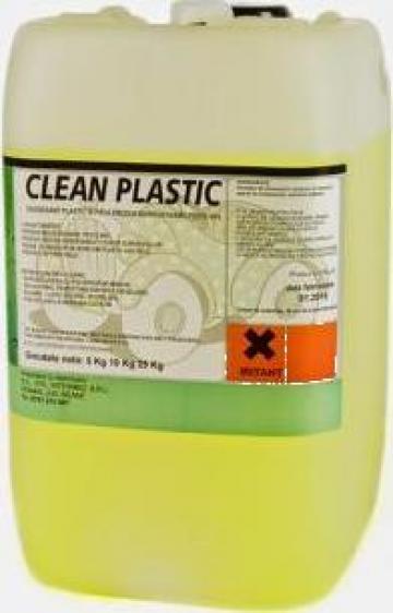 Detergent profesional pentru plastic si piele de la Stil Intermed Srl