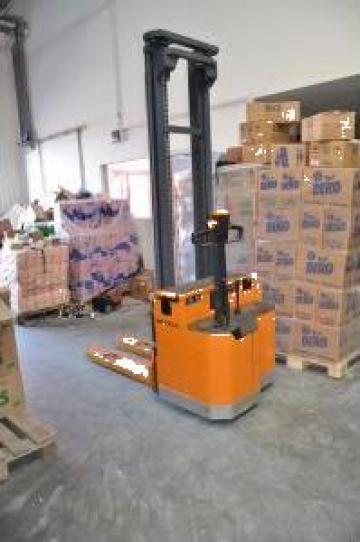 Transpalet electric cu ridicare Staker de la Store Logistic