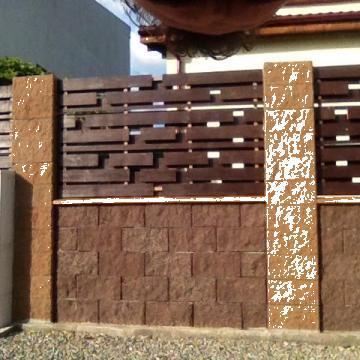 Boltari gard colorati ciment gri de la Grama Com S.r.l.