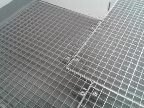 Gratare metalice presate