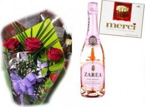 Buchet 3 trandafiri + cadou 0079 de la Floraria Stil
