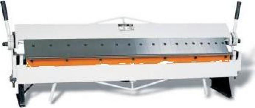 Abkant manual segmentat de indoit tabla 1220 mm ROP-15/1260 de la Proma Machinery Srl.