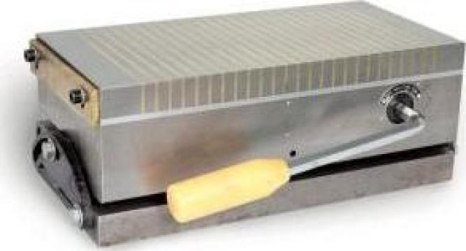 Masa cu magnet permanent basculant de fixare PM-300N de la Proma Machinery Srl.