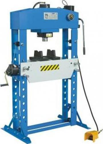 Presa hidraulica pentru ateliere mecanice P001/75 de la Proma Machinery Srl.