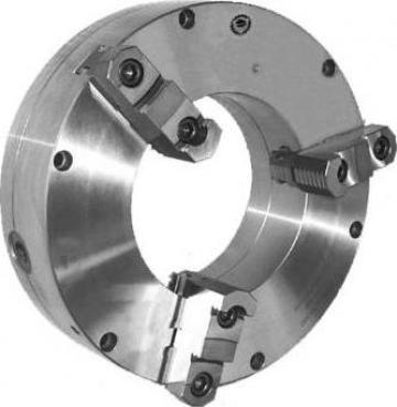 Universal pentru strung cu 3 bacuri reversibile TIP 3597 de la Proma Machinery Srl.