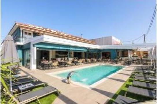 Sejur cu avion in Zakyntos Hotel Albatros & Apartments de la Angelina Voiaj SRL