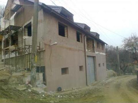 Case cu structura de beton - caramida de la Mevis Group Management Srl