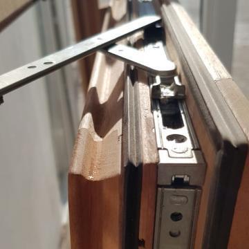 Tamplarie CNC, usi, ferestre lemn de la Tamplarie Cruda