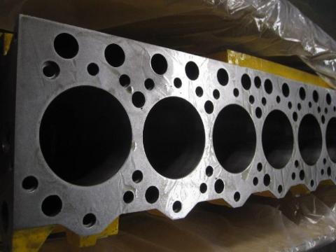 Bloc motor Caterpillar de la Intrapart Company Srl