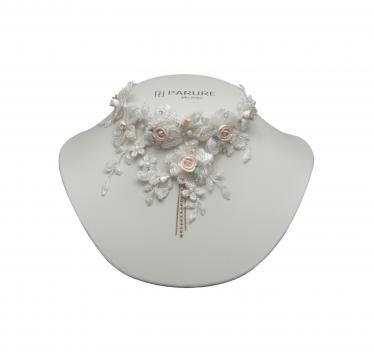 Colier mireasa cu cristale Swarovski si broderie de la Luxury Concepts Srl
