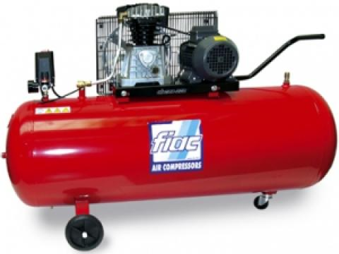 Compresor Fiac cu piston profesional - AB200/410TC de la It Republic Srl