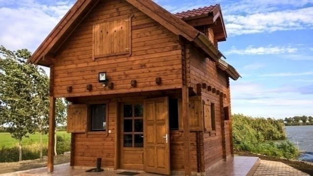 Casa de lemn Orchidea izolat de la Korondi Arcso Srl