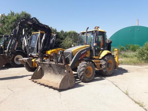 Inchiriere buldoexcavator Volvo de la Vip Clima Srl